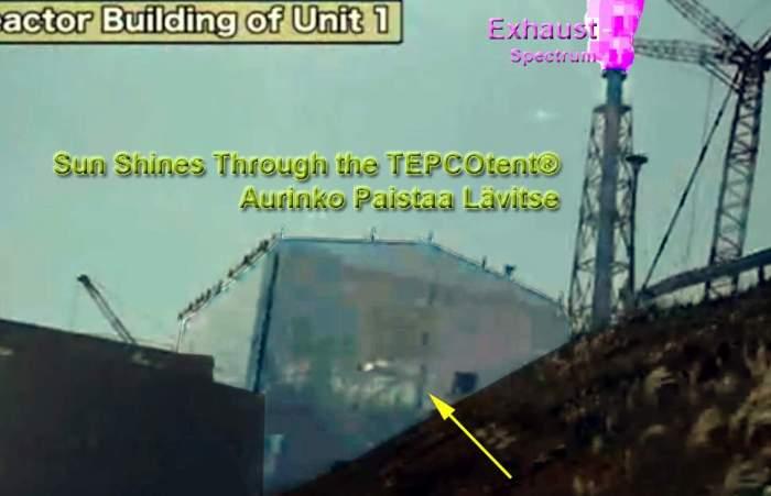 TEPCO video 25.10.2011: Aurinko paistaa säteilytysteltastasi läpi, piippu tykittää taivaille beckerelliä... (kontrasteja muokattu)